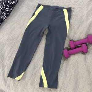 GAP athletic Capri leggings